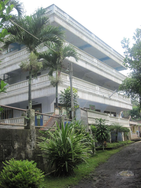 Gedung Lembaga Pondok Pesantren