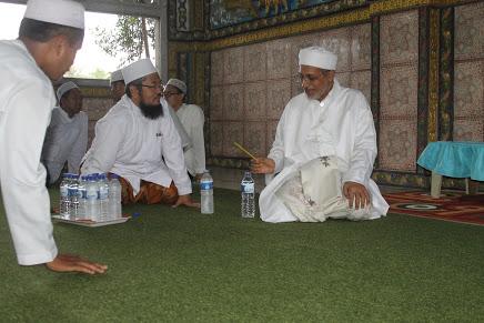 Al-Habib Abdullah Baharun Rektor Universitas Al-Ahgaff