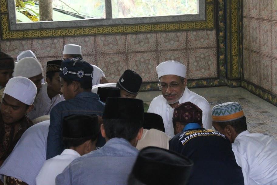 Tabarrukan Al-Habib Abdullah Baharun Rektor Universitas Al-Ahgaff